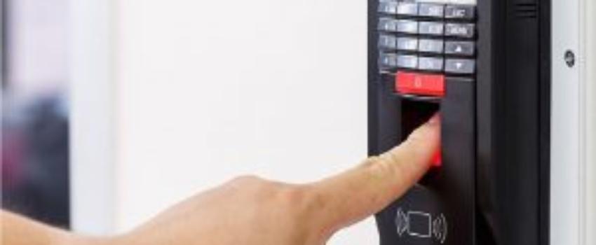 Access-Control-System-company in abu dhabi uae door access control installation, door access control repair, door access control troubleshooting. attendance control system abu dhabi uae. attendance control installtion, webnet technologies